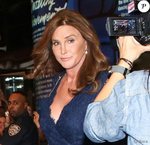 Caitlyn Jenner se rend au théâtre avec Candice Cane sur Broadway, à New York, le 30 juin 2015
