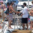 Exclusif - Lucy Hale et son petit ami Anthony Kalabretta profitent de vacances à Hawaï, le 2 juillet 2015.