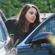 Exclusif - Mila Kunis va déjeuner avec des amis à Studio City, le 2 mars 2015.