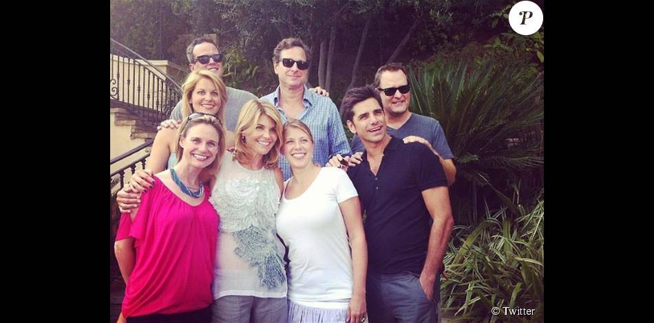 Le casting de  La Fête à la maison  réunit lors du premier jour de tournage, le jeudi 16 juillet 2015.