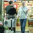 Nicole Richie et sa belle soeur Cameron Diaz font des courses ensemble dans un supermarché Le 09 Mai 2015