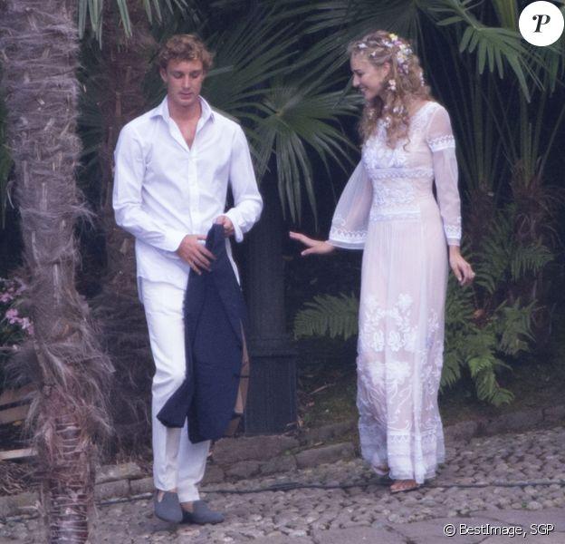 Pierre Casiraghi et Beatrice Borromeo se rendent à leur fête de pré-mariage sur les Iles Borromées, sur le Lac Majeur en Italie, le 31 juillet 2015.