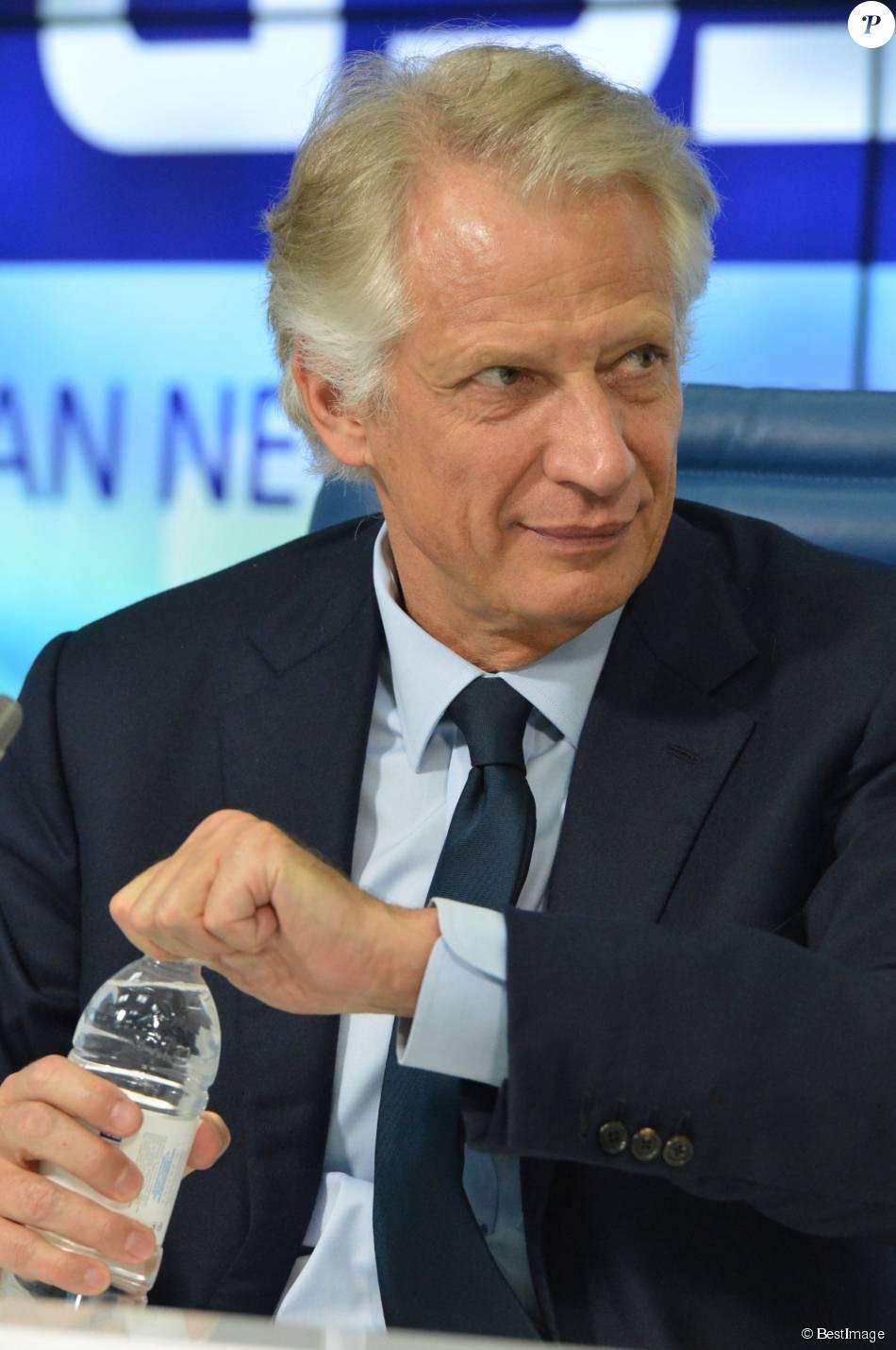 L 39 ancien premier ministre fran ais dominique de villepin a for Ministre francais
