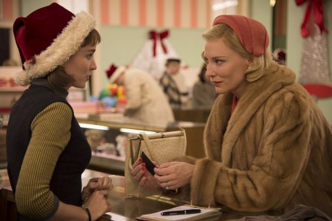 "Cate Blanchett tombe amoureuse de la fragile Rooney Mara dans ""Carol"""