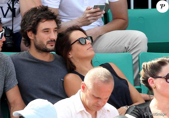 laure manaudou et son compagnon j r my fr rot dans les tribunes de roland garros paris le 7. Black Bedroom Furniture Sets. Home Design Ideas