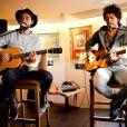 Jérémy Frérot et Florian Delavéga. Showcase du groupe Fréro Delavega au Hard Rock Café à Nice, le 2 février 2015.