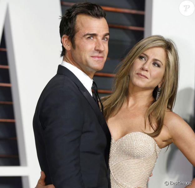 """Justin Theroux et Jennifer Aniston à la soirée """"Vanity Fair Oscar Party"""" à Hollywood, le 22 février 2015."""
