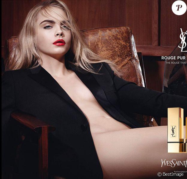 Cara Delevingne pose nue pour le nouveau rouge à lèvres de Yves Saint Laurent.
