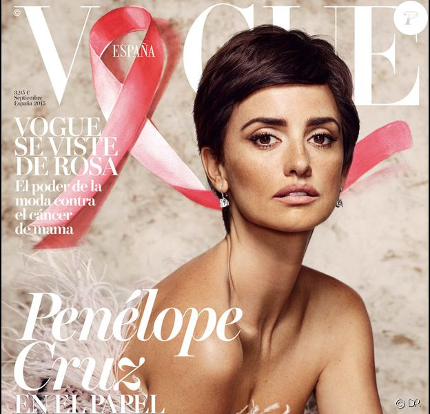 Penélope Cruz en couverture de l'édition espagnole de Vogue - septembre 2015. Elle affiche une coupe courte qui lui va à ravir... mais c'est une perruque.