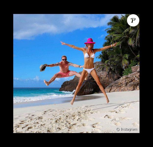 Ronan Keating et sa femme Storm Uechtritz sont en lune de miel sur l'île de Frégate non loin des Seychelles / photo postée sur Instagram.