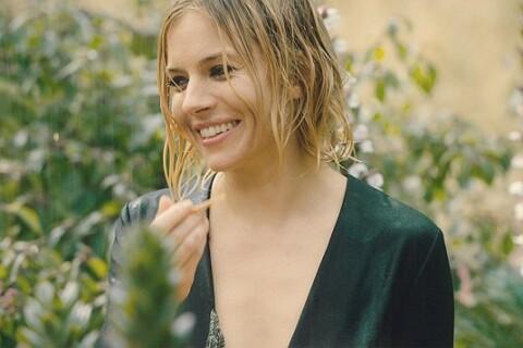 Sienna Miller : L'actrice en Vogue se lance dans la poésie...