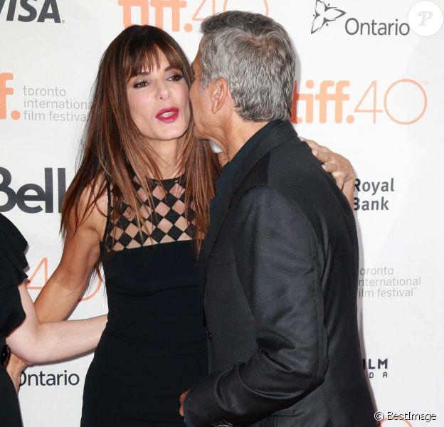 """Sandra Bullock, George Clooney- Avant-première du film """"Our Brand is Crisis"""" lors du festival du film de Toronto au Canada le 11 septembre 2015."""