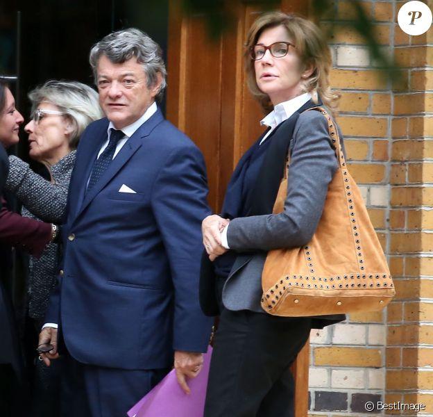 Jean-Louis Borloo et sa femme Béatrice Schönberg - Obsèques de la mère de Jean-Louis Borloo en l'église Saint-Honoré-d'Eylau à Paris. Le 15 septembre 2015
