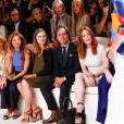 Lauren Bush Lauren, David Lauren et Julianne Moore assistent au défilé Ralph Lauren (collection printemps-été 2016) au Skylight Clarkson Sq. New York, le 17 septembre 2015.