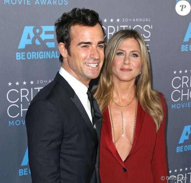 """Justin Theroux et sa fiancée Jennifer Aniston - 20e soirée annuelle des """"Critics Choice Movie Awards"""" à Hollywood. Le 15 janvier 2015."""