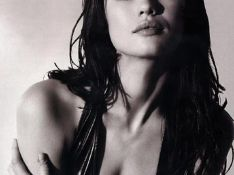 PHOTOS : La James Bond Girl Olga Kurylenko... la perfection faite femme !