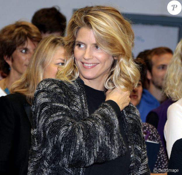 Alice Taglioni enceinte - Cérémonie de remises des médailles de la faculté de médecine à Paris le 24 septembre 2015.