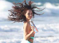 Jadeon Stage : Canon en maillot, elle profite encore de la plage !