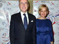 Le ministre Bernard Cazeneuve et sa femme face à Priscilla, soir de gala !