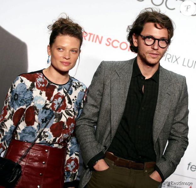 Le chanteur Raphael (Raphaël Haroche) et sa compagne Mélanie Thierry - Soirée d'ouverture de la 7e édition du Festival Lumière 2015 à la Halle Tony-Garnier à Lyon le 12 octobre 2015.
