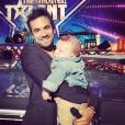 Alex Goude et son fils Elliot dans les coulisses du tournage de  La France a un incroyable talent  pour M6. Septembre 2015.