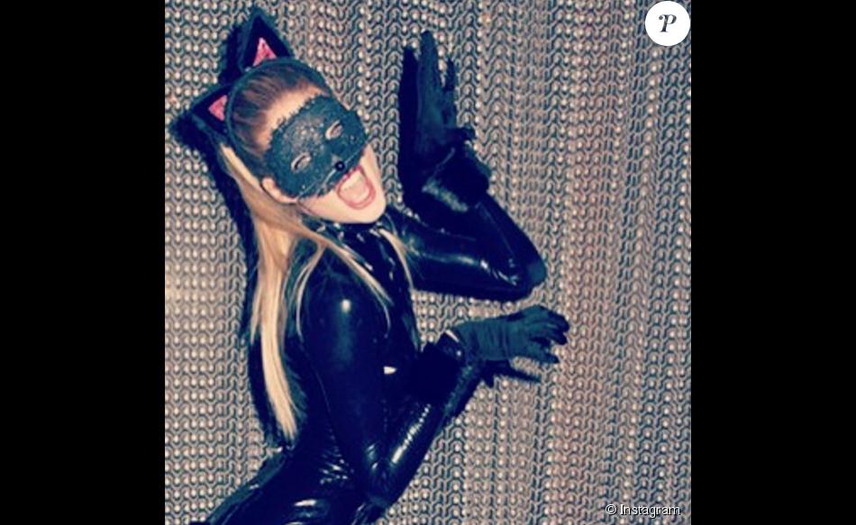 Doutzen Kroes a posté cette photo d'elle en Catwoman sur son compte Instagram datant d'il y a quelques années.
