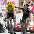 Chris Froome en maillot jaune et son coéquipier Richie Porte à L'Alpe d'Huez le 18 juillet 2013