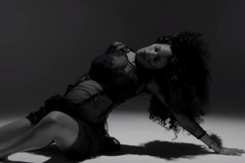 Teyana Taylor : Enceinte et pleine de grâce dans son nouveau clip