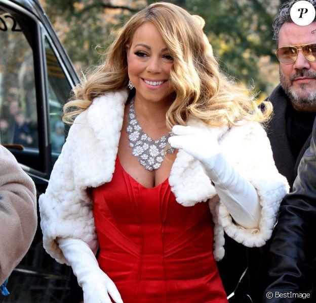 Mariah Carey apparaît sur un char de la parade de Thanksgiving à New York le 26 novembre 2015. © CPA