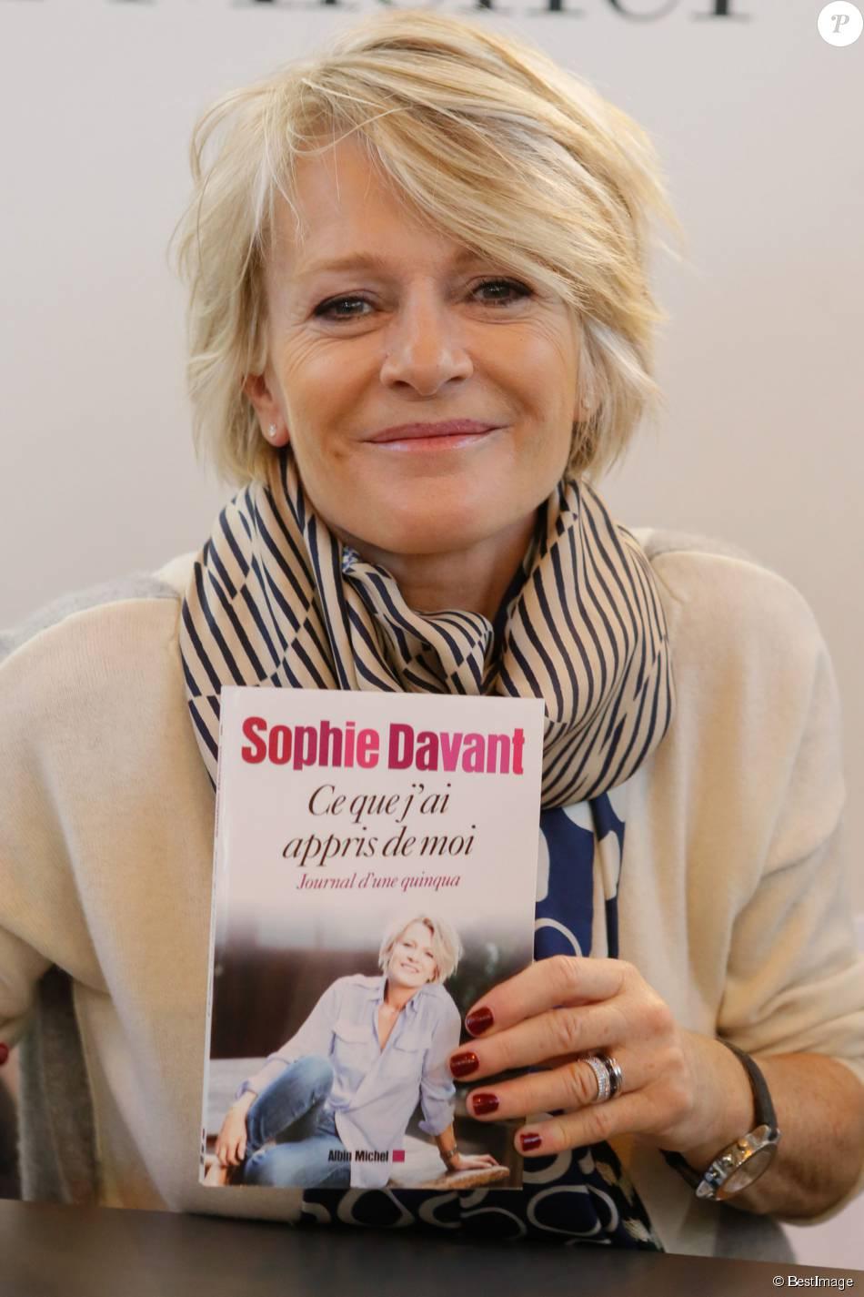 Sophie davant au salon du livre la porte de versailles paris le 22 mars 2015 - Salon du livre porte de versailles 2015 ...