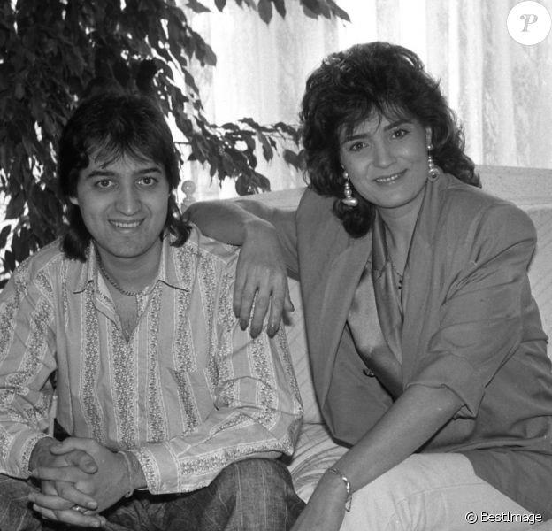 Rendez-vous avec Linda de Suza et son fils João Lança à son domicile parisien, le 2 mars 1989.