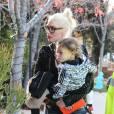 Exclusif - Gwen Stefani emmène ses enfants Kingston, Zuma et Apollo à l'église à Los Angeles, le 6 décembre 2015