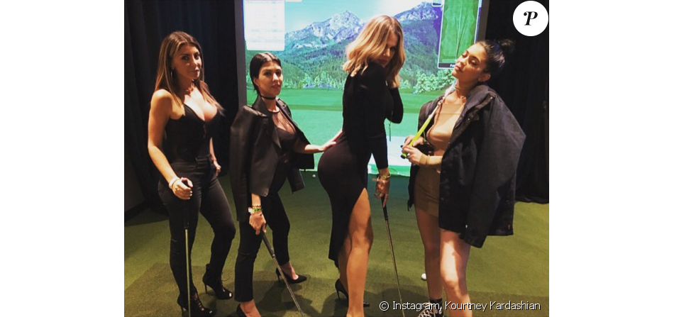 Larsa Pippen (épouse de Scottie Pippen), Kourtney, Khloé Kardashian et Kylie Jenner au Forum lors du concert de The Weeknd. Photo publiée le 9 décembre 2015.