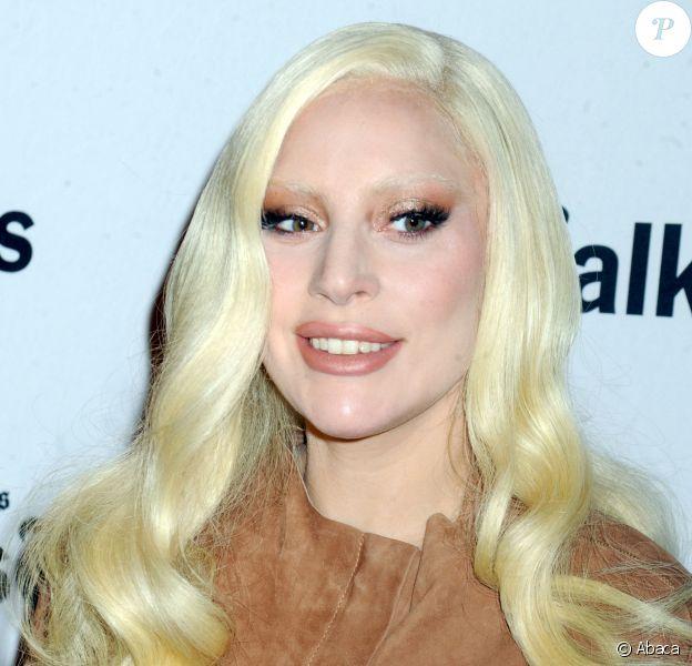 """Lady Gaga assiste à l'événement """"TimesTalks Presents Hunting Ground"""" au Times Center de New York, le 10 décembre 2015."""