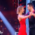 """Véronic DiCaire et son partenaire, dans """" Danse avec les stars 6""""  sur TF1, le samedi 12 décembre 2015."""