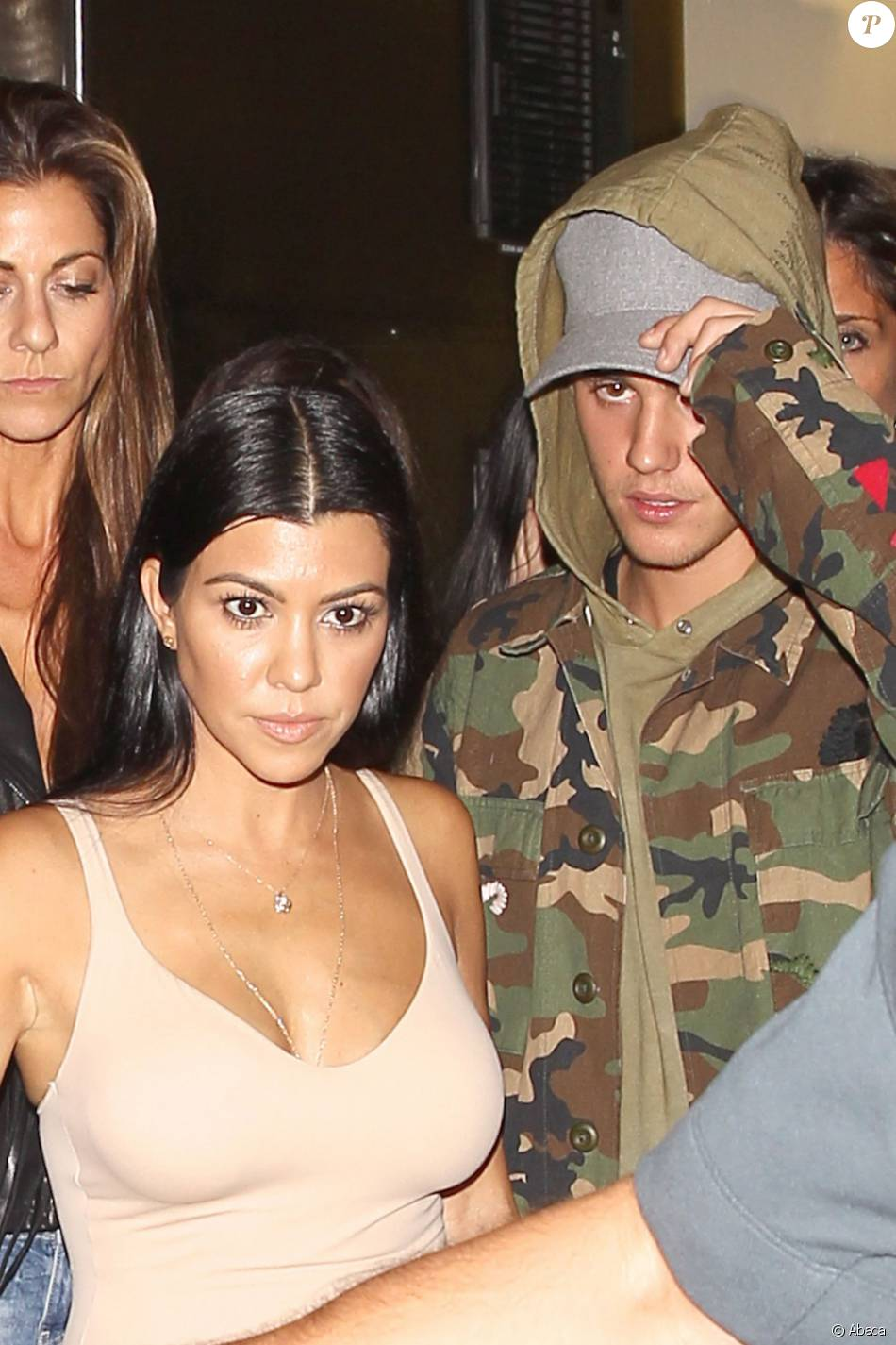Kourtney Kardashian et Justin Bieber à la sortie de The Nice Guy à Los Angeles, le 9 octobre 2015