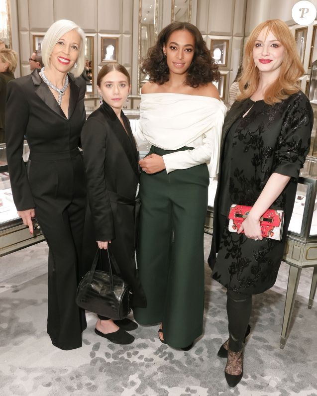 Linda Fargo, Ashley Olsen, Solange Knowles et Christina Hendricks assistent à la soirée de lancement de la collaboration entre Gemsfield et Bergdorf Goodman, dans le salon bijouterie du centre commercial. New York, le 15 décembre 2015.