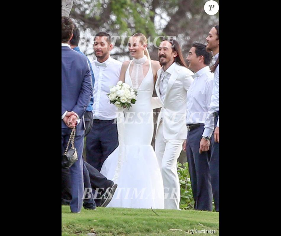 Exclusif - Le musicien Steve Aoki et le mannequin australien Tiernan Cowling se sont mariés à Maui le 18 décembre 2015, en présence de leurs familles et de nombreux amis.