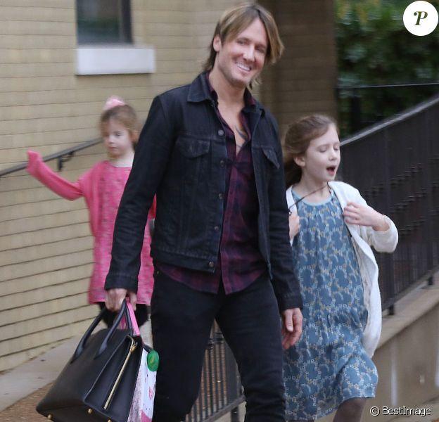 Exclusif - Keith Urban, sa femme Nicole Kidman et leurs filles Sunday et Faith quittent une église de Nashville le 29 novembre 2015.