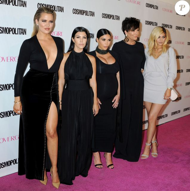 Khloé, Kourtney, Kim Kardashian, Kris et Kylie Jenner à West Hollywood, Los Angeles, le 12 octobre 2015.
