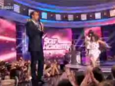 VIDEO Star Ac' 8 : Yael Naim trébuche sur le plateau de TF1 !