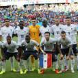 Moussa Sissoko, numéro 18, et l'équipe de France avant la rencontre contre la Suisse, lors de la Coupe du monde de Football au Brésil, le 20 juin 2014.