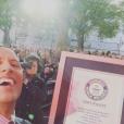 """Shanna et Thibault (""""Les Anges"""") ont battu un record du monde en réalisant 151 selfies en 3 minutes. Celui-ci était jusqu'ici détenu par Dwayne Johnson. Décembre 2015."""
