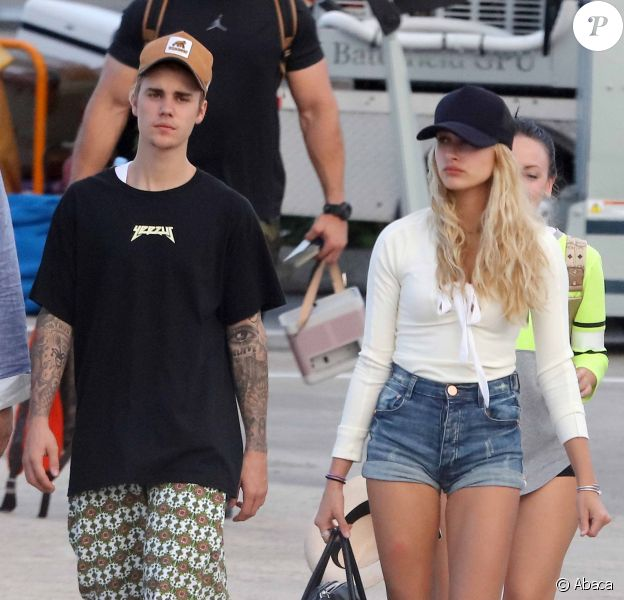 Justin Bieber et Hailey Baldwin vont prendre un jet privé à St Barts, le 1er janvier 2016