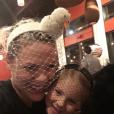 Pink et sa fille Willow. Photo postée sur Twitter, le 1er janvier 2016.