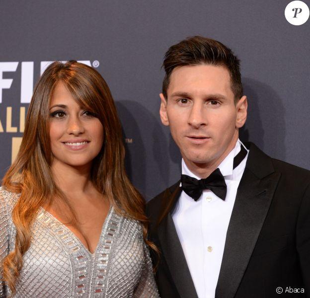 Lionel Messi et Antonella Roccuzzo lors de la cérémonie du Ballon d'or 2015 à la Kongresshaus de Zurich, le 11 janvier 2016