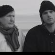 Orelsan a dévoilé le clip du titre J'essaye, j'essaye interprété par son groupe les Casseurs Flowters et dans lequel apparaît sa grand-mère Jeannine. Image extraite d'une vidéo postée sur Youtube, le 13 janvier 2016.