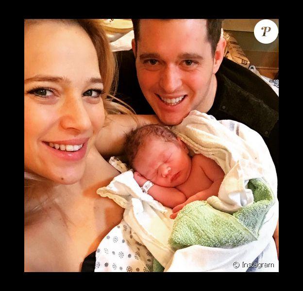 Michael Bublé est papa pour la 2e fois. Sa femme Luisana Popilato a donné naissance à un petit garçon prénommé Elias, le 22 janvier 2016. Photo publiée sur Instagram.
