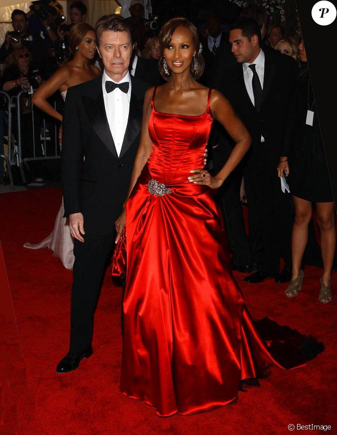 david bowie et sa femme iman au costume institute gala le 5 mai 2008 new york. Black Bedroom Furniture Sets. Home Design Ideas