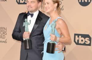 SAG Awards : Eva Longoria et son décolleté indécent face à Leonardo DiCaprio